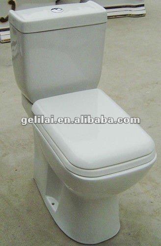 สุขภัณฑ์ชิ้นสองห้องน้ำในbothroom