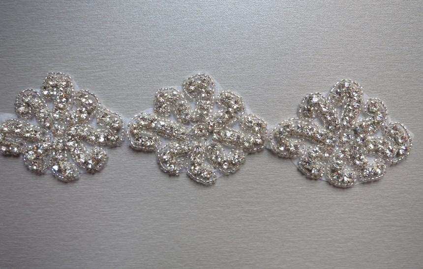 2014 Newest wholesale iron on bridal accessory