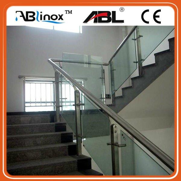 Pasamanos escalera interior barandilla de vidrio con for Escaleras de aluminio para interiores