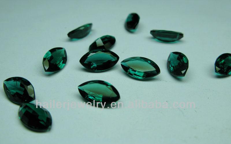 Зеленый камень для поделок 27