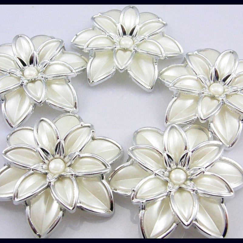 newest style pearl flower.JPG