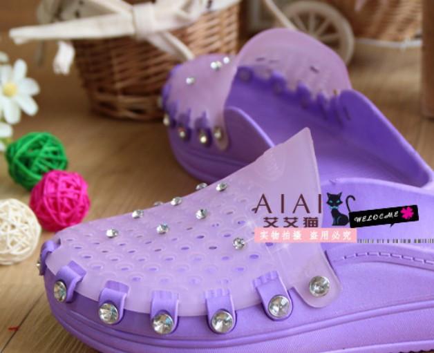 новых весной и летом Алмазный заклепки слово скольжения мягкие снизу отверстие обувь сад обувь сандалии и тапочки