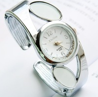 Наручные часы Hot selling fashion new quartz bangle bracelet watches for women Many color available