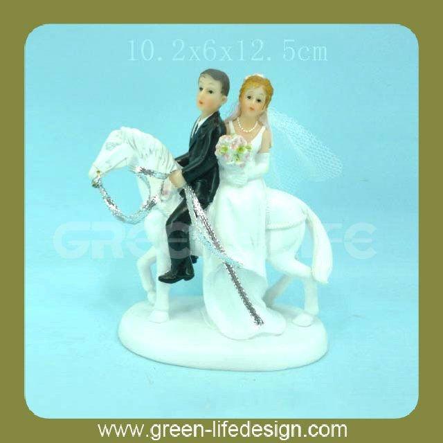 Polyresin casamento casais na carruagem do casamento lembranças