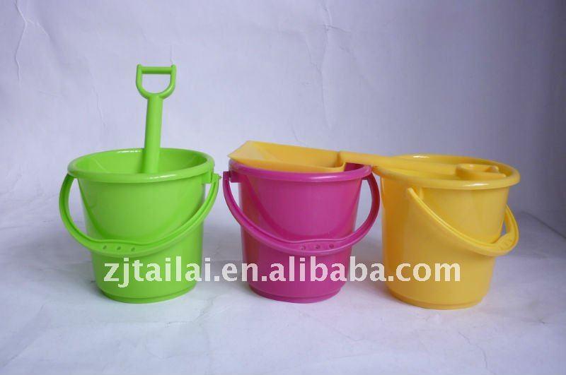 Plastic sand pail &shovel