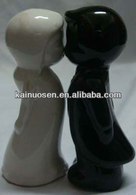 10cm hugging white and black ghost ceramic cruet jar set