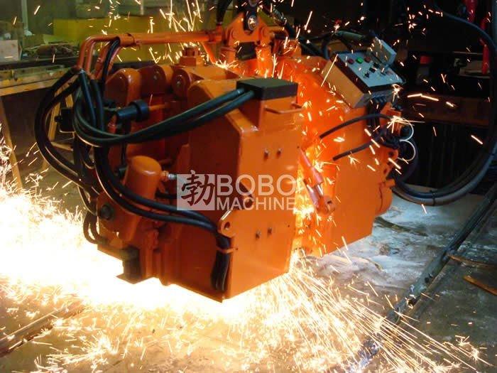 Container type rail butt welding machine.
