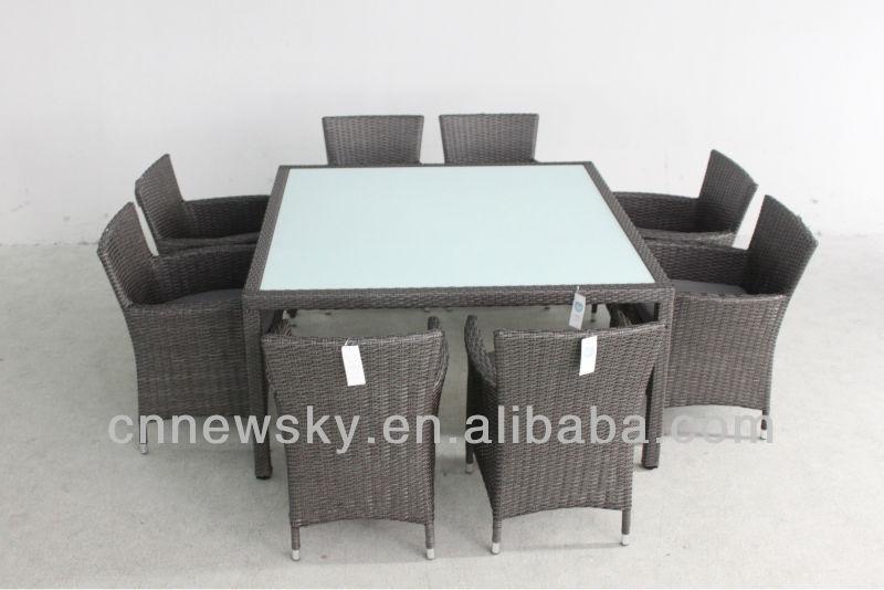 Pe osier salle manger meubles table carr e et chaise 9 for Table exterieur osier