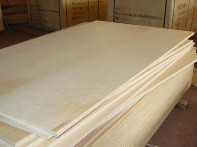 Indoor Usage and Birch Veneer Board Surface Material Russian birch plywood.jpg