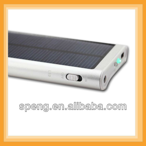 With flashlight external battery solar powerbank charger