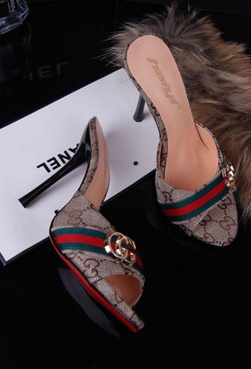 أحذية جديده للبنات 2014 أحذية 714371362_641.jpg