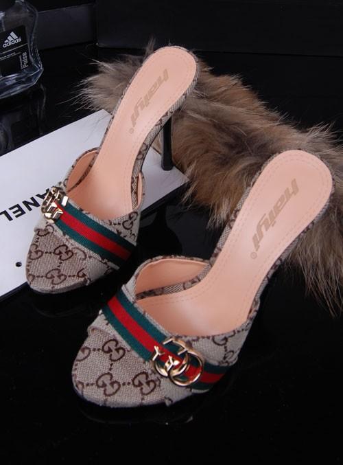 أحذية جديده للبنات 2014 أحذية 714371365_688.jpg