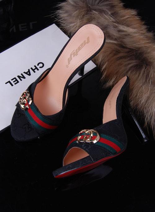 أحذية جديده للبنات 2014 أحذية 714371372_046.jpg