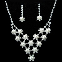 Ювелирный набор New shinning Tiara Crown necklace earrings three-piece bridal jewelry set pearl necklace