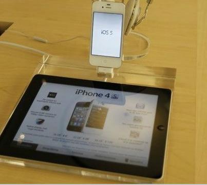 vG-ADH012_Crystal_Iphone_and_Ipad_Security_Display_Dock_3