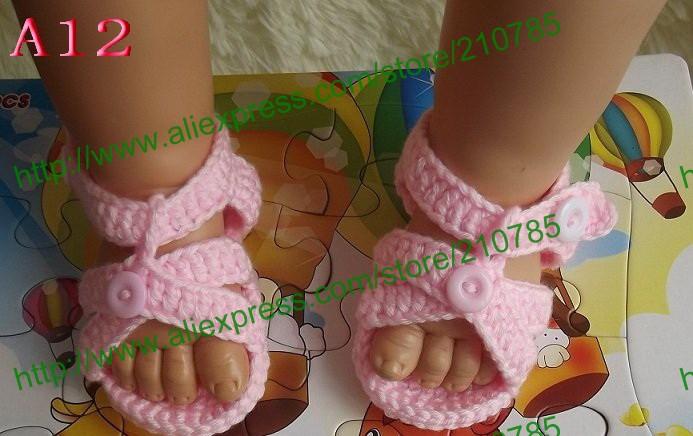 Как связать сандали для ребенка