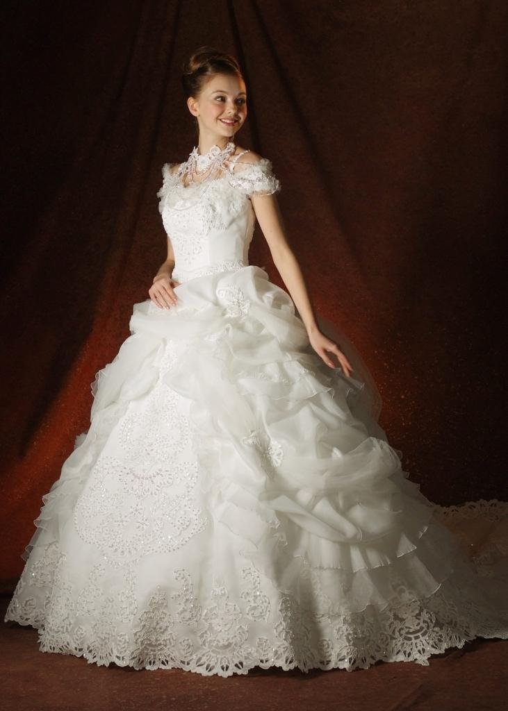 Western style exquisite ball gown wedding dress SZW1103