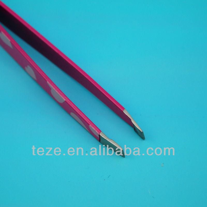 Pink heart surface tangle tweezer