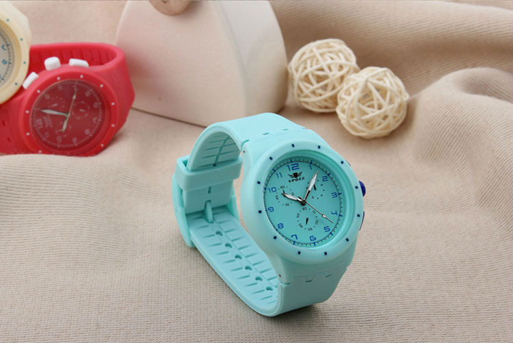 2015 perfect Japan movement watch silicone band watch