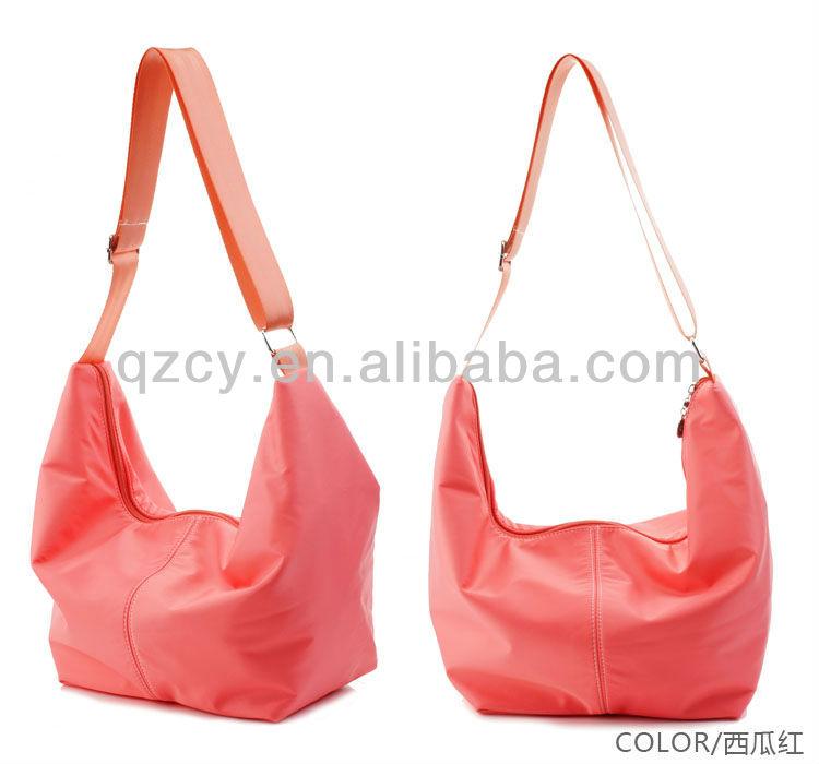 latest design lady's nylon yoga sports handbag gym bag yoga bag