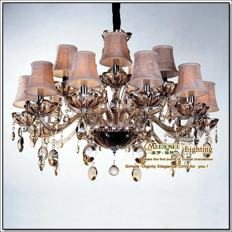 Lampadari di boemia con sfumature, classica luce del ...