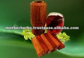 Pterocarpus Marsupium wood tea cut for antidiabetic tea