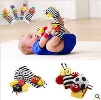 Детская плюшевая игрушка 4pcs/lot- Cartoon Animal style Baby Garden Bug Wrist Rattle/Foot Finder Set/Bracelets/Infant&Toddler's Socks/Baby Toys
