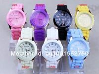 Наручные часы 2013 Geneva Popular fashion Silicone Quartz Men/Women/Girl Unisex Jelly Wrist Watch accept