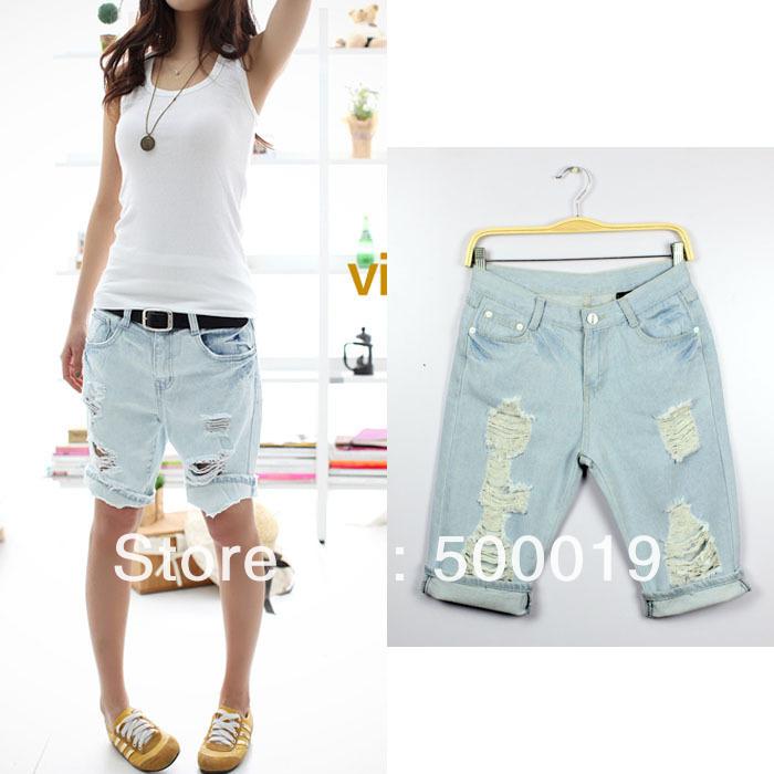 Джинсовые шорты по колено женские с чем носить