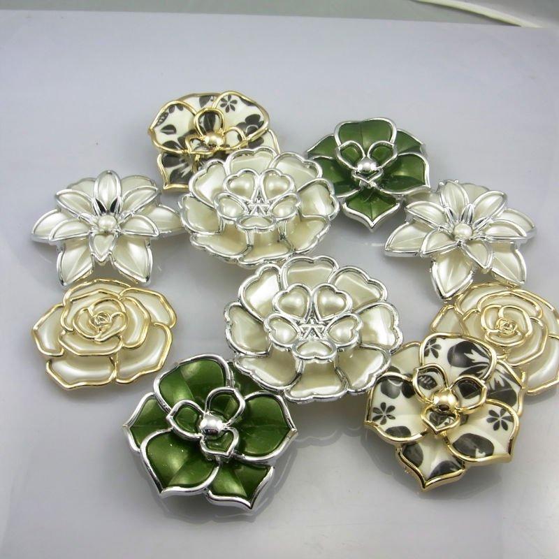 plastic pearl flower.JPG