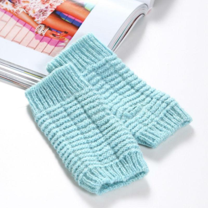 Girl's knit grey fingerless gloves wool
