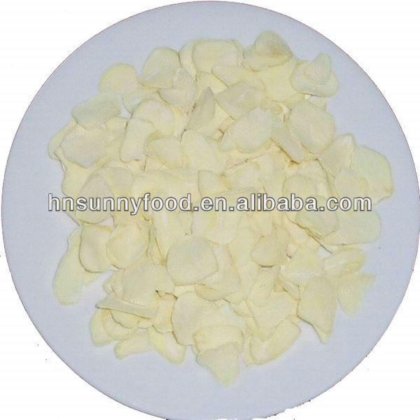 Hot dehydrated natural garlic flakes