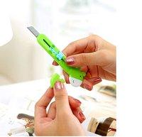 Канцелярский нож DIBO Office DB-8215