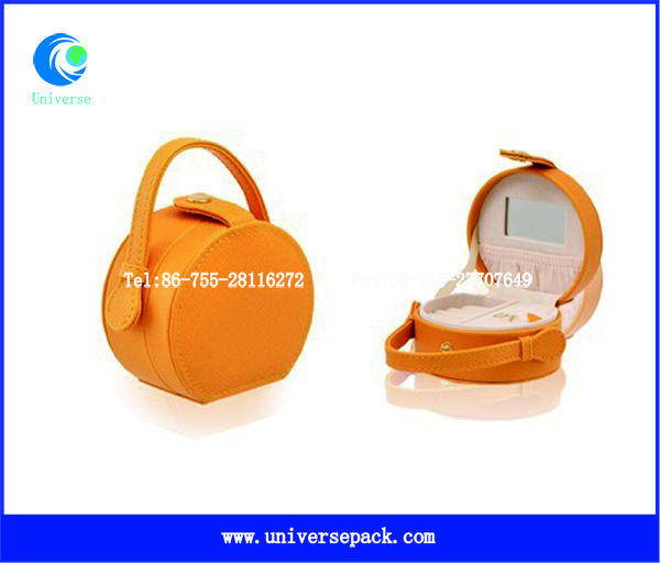 Luxury leatherette paper box for ring