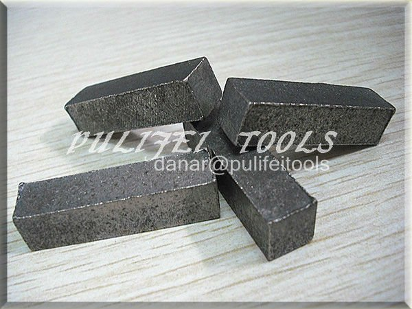 Concrete segment for grinding concrete