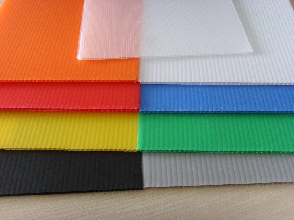 corrugated plastic sheeting