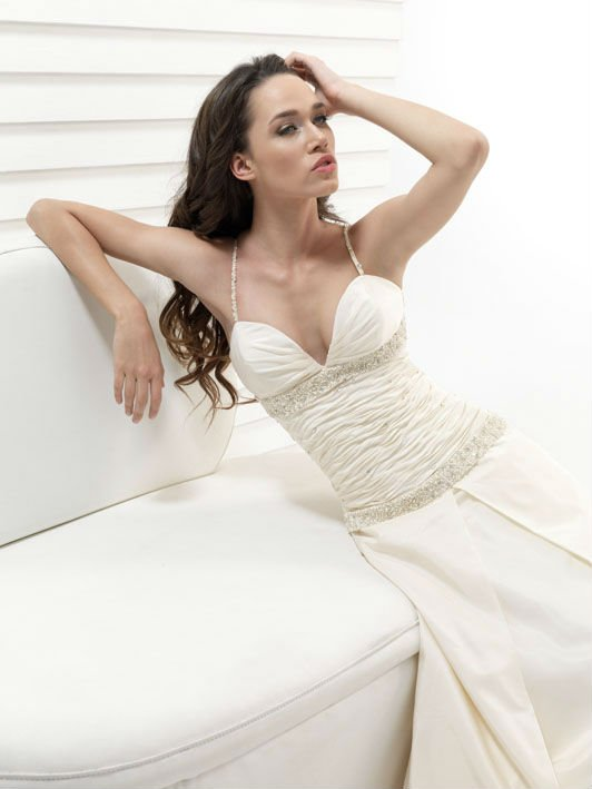 Newest Model Bridal and Haute Couture Wedding Gown