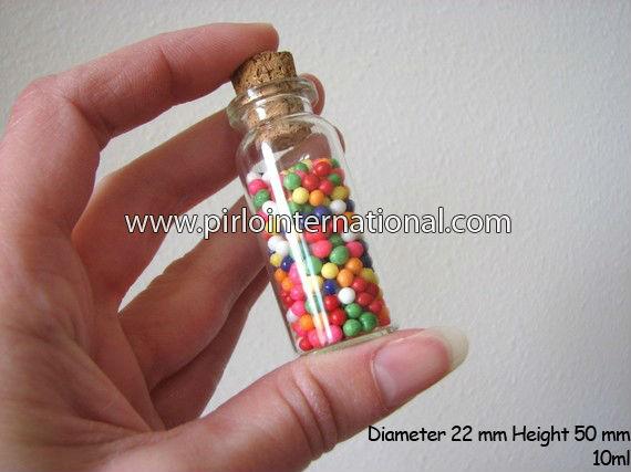 Kleine glasflaschen mit korken