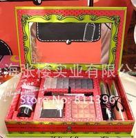 Макияжный набор , KitChristmas .makeup2012