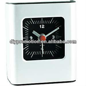 2013 promotional plastic decorative table clocks wholesale