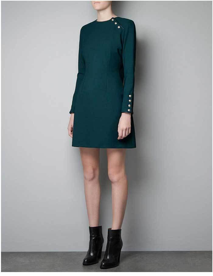 Изумрудное платье-трапеция