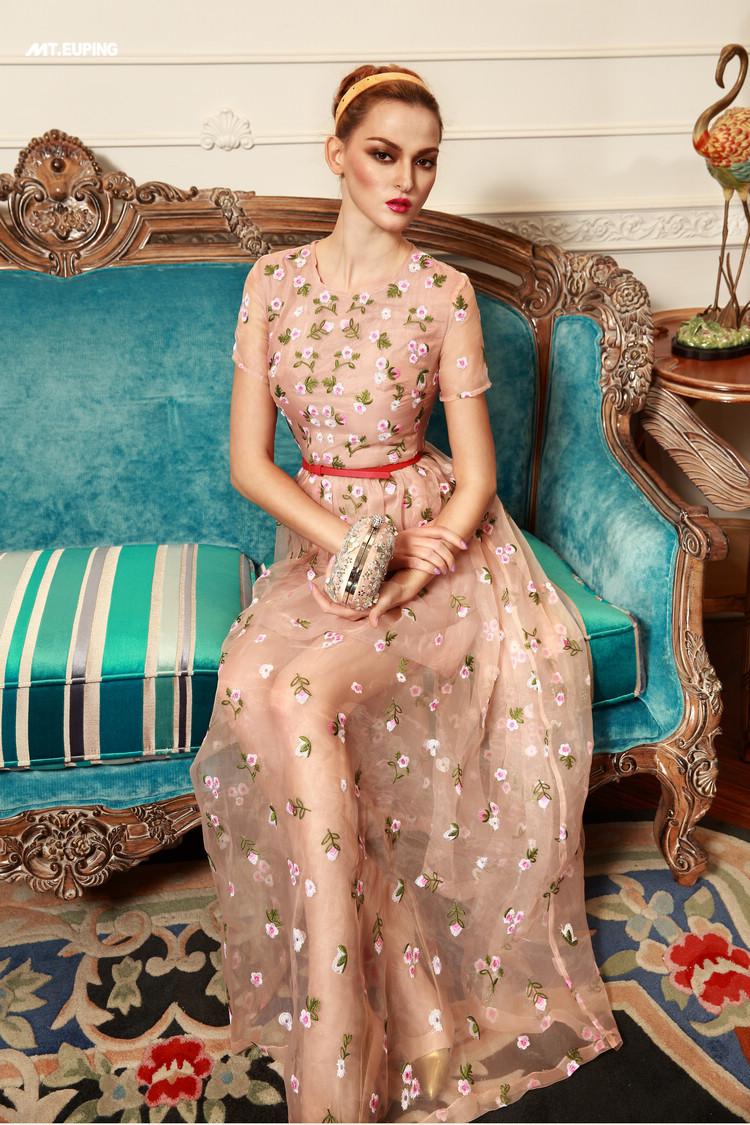 Платье органза с вышивкой 92