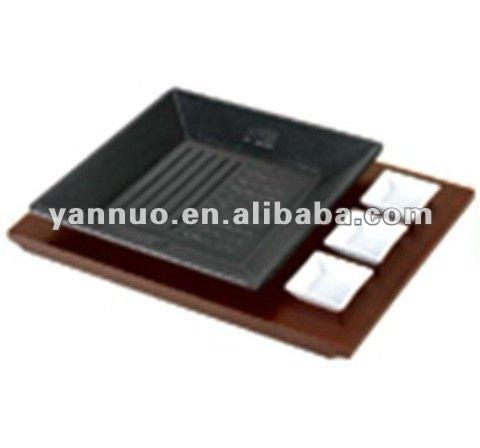 cast iron steak baking pan with wood tray teppanyaki plate. Black Bedroom Furniture Sets. Home Design Ideas