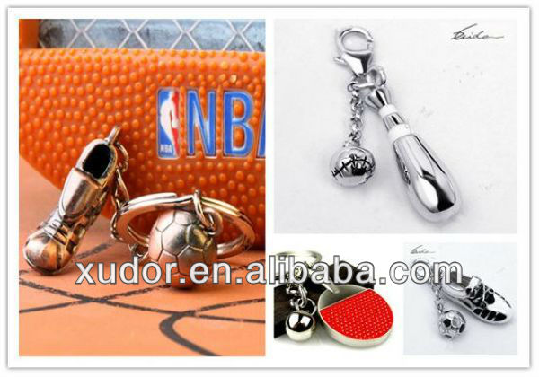 METAL HOCKEY KEYCHAIN SPORTS