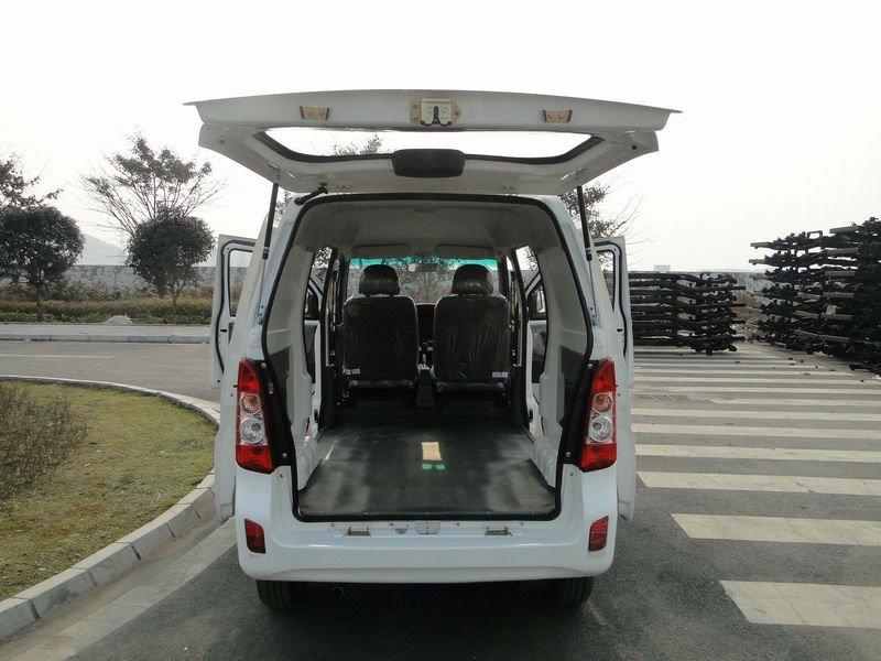 2014 nouveau 8 sièges de luxe Mini Van / Euro IV moteur Standard bureau Van / pas cher commerciale Van