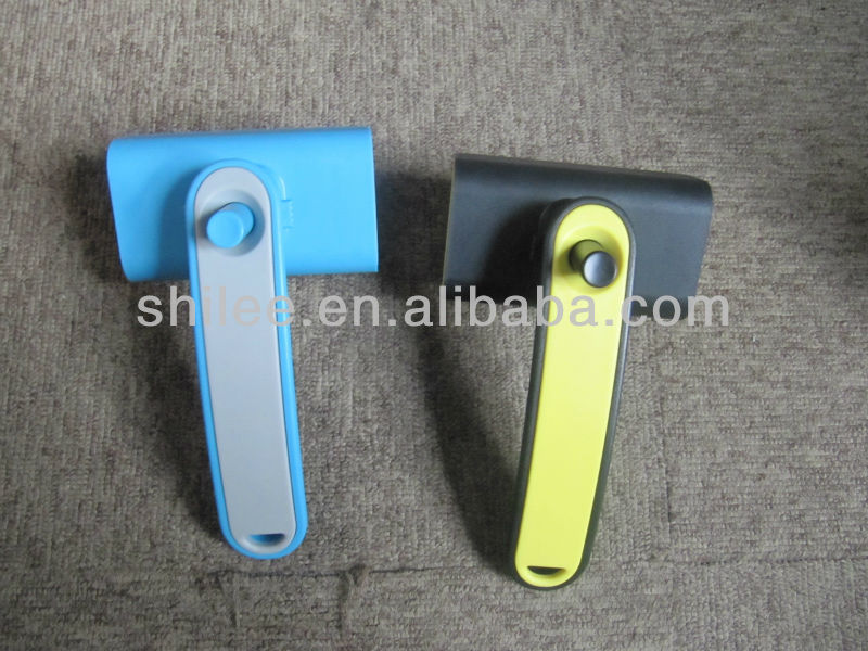 High Quality Pet Grooming Brush in blue color