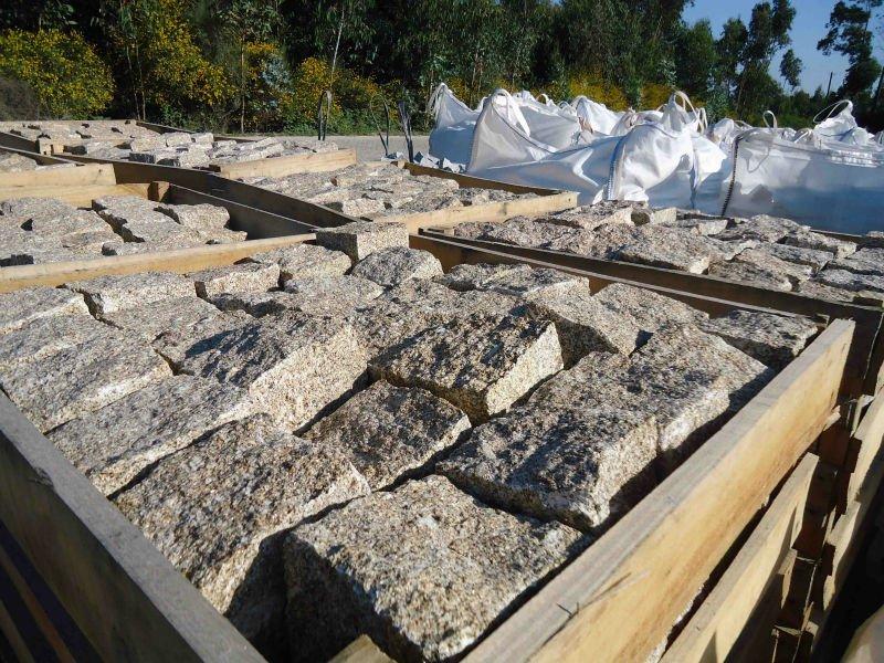 granit, grasten, graberg, sten , granit stockholm, granit sten , granit bankskiva, granit inredning