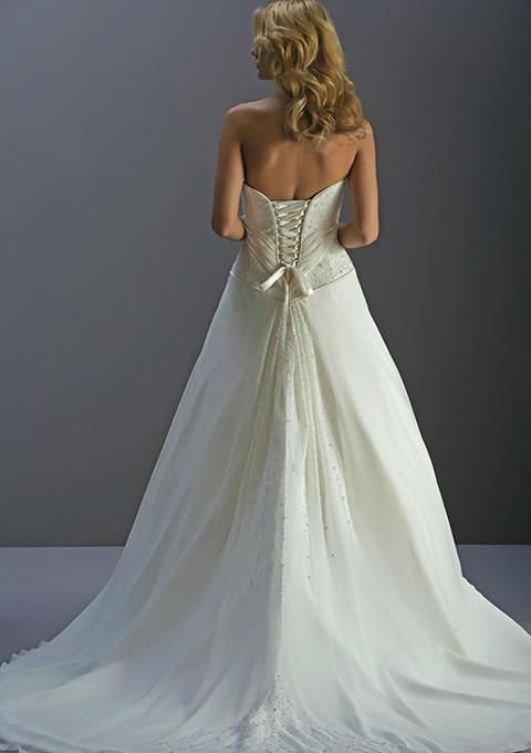 Western Style Nontraditional Wedding Dresses 3