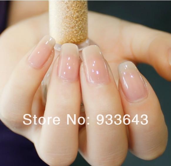 Прозрачный гель на ногтях