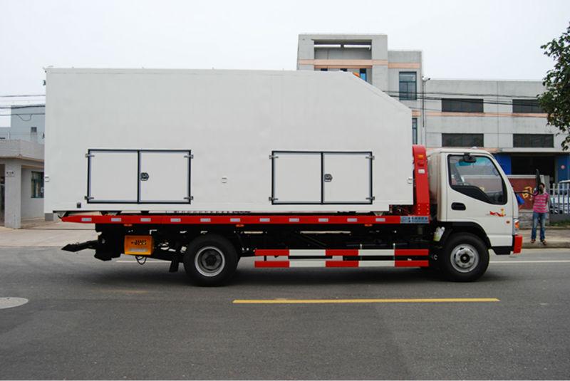 Van wrecker truck